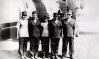 коллектив санитарного самолета